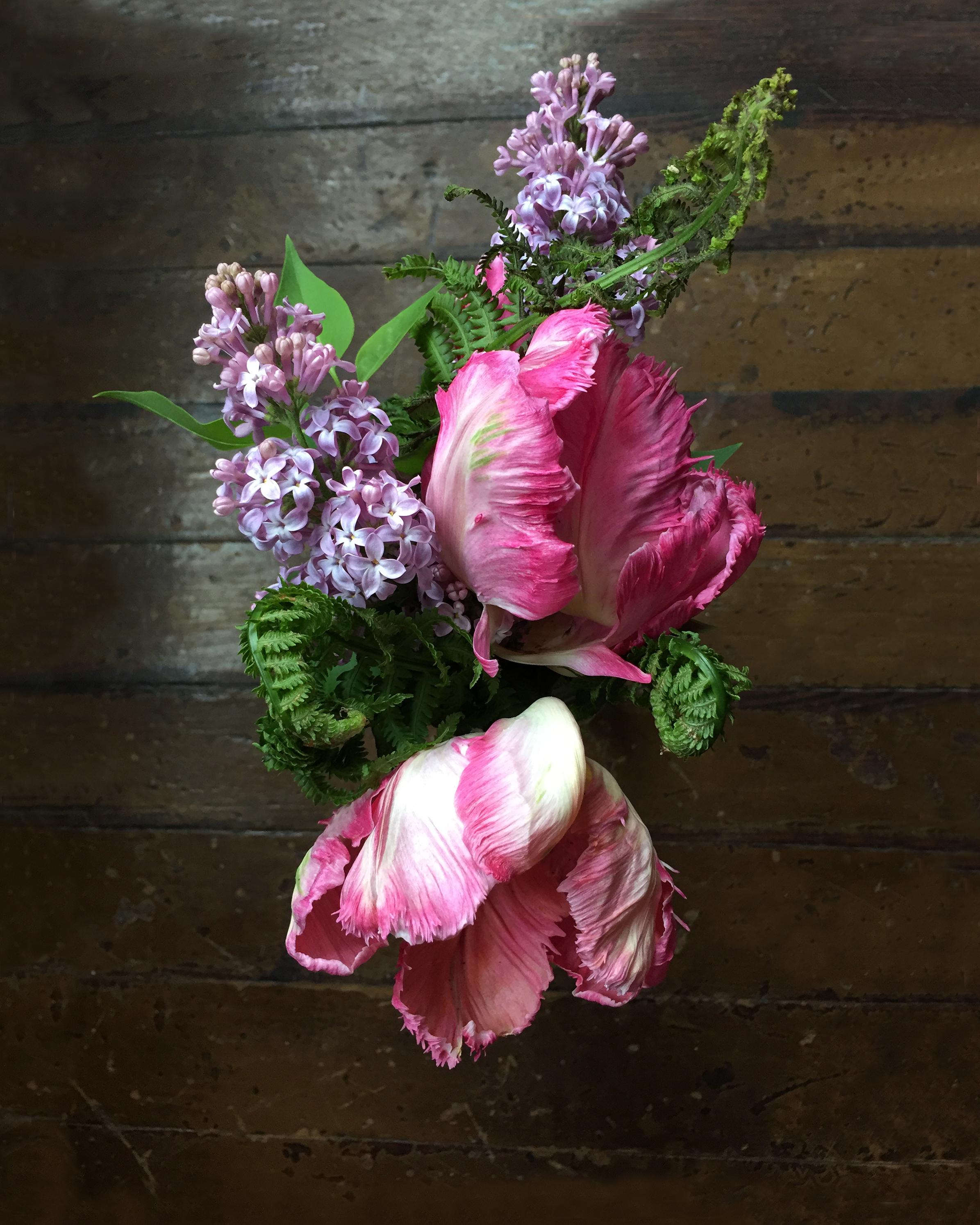 Apt2-flowers.jpg
