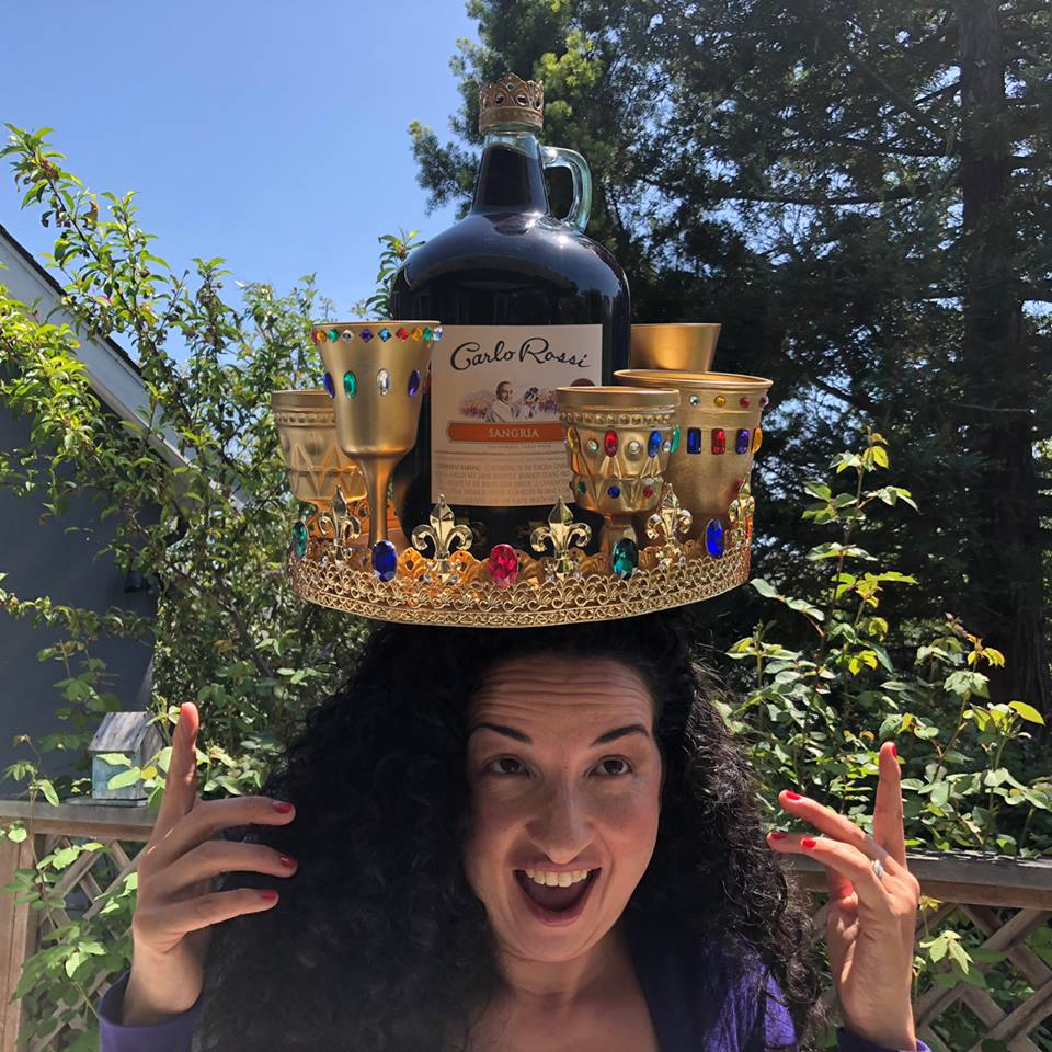 Heavy is the head that wears the crown. (9.6 pounds to be exact.) Shout out to all our Rossi Queens doing the heavy lifting.    #RossiSangriaQueens