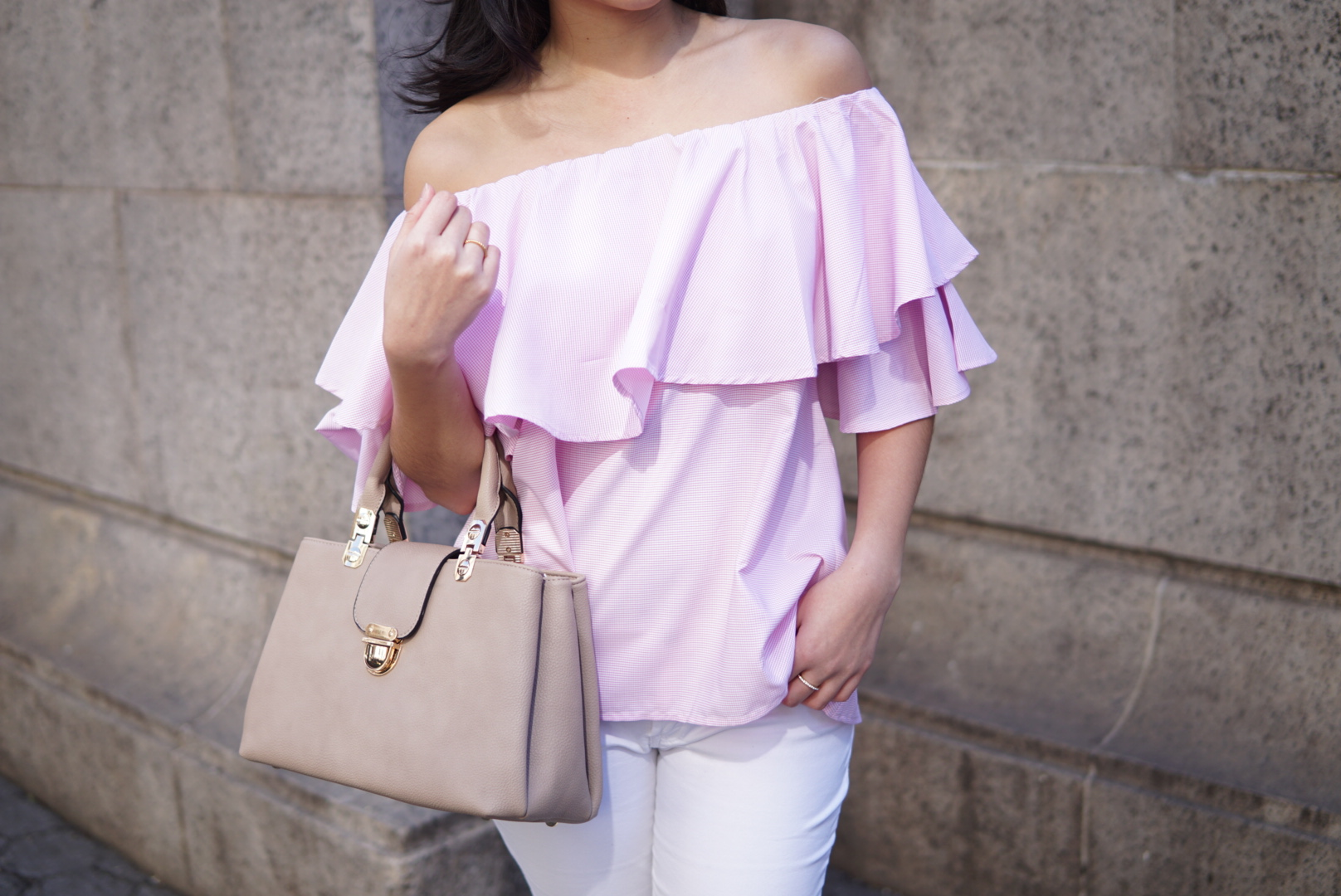 Top:  SheIn  | Bag:  Shop J&G  | White Jeans:  H&M