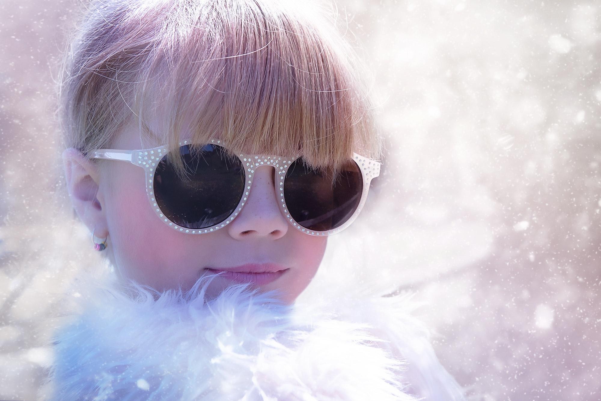 blond-child-close-35632.jpg