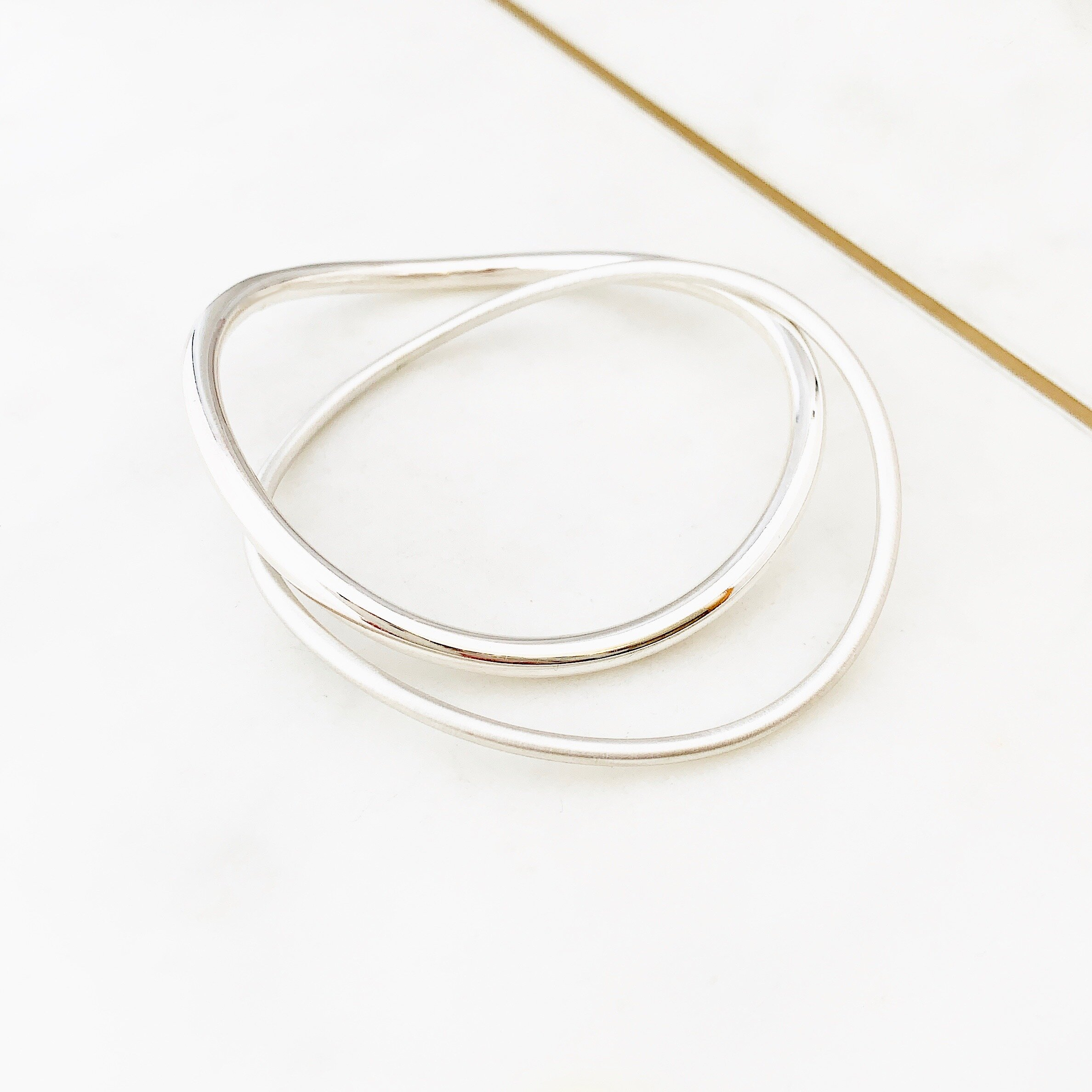 Details about  /dainty hammered bangle in sterling silver