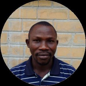 Joseph Ngalungalu   (Ing agro ISAV)    A  djoint à la communication     📞+243  811949469   ✉    josephngalu@gmail.com