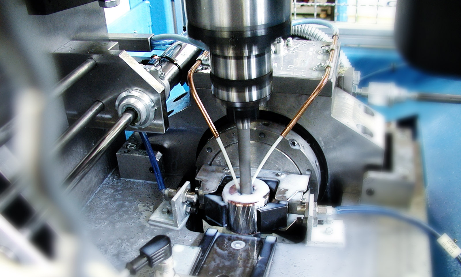 MACHINE CENTER  System developed to machine the rotor in a water pump