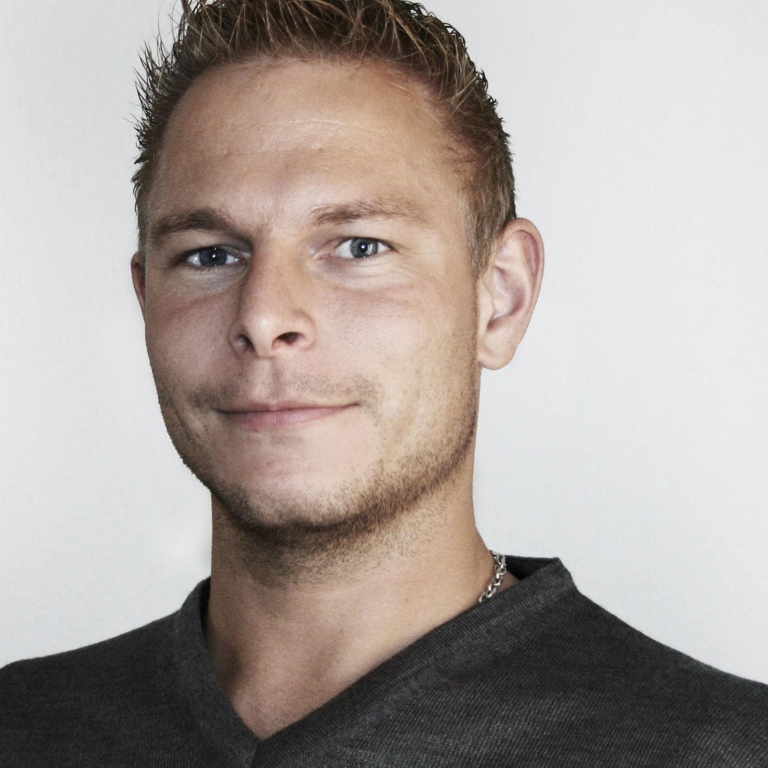 R&D Kasper Sommer  R&D Manager  T +45 9661 3755 M + 45 5180 6443 kss@ab-inventech.dk