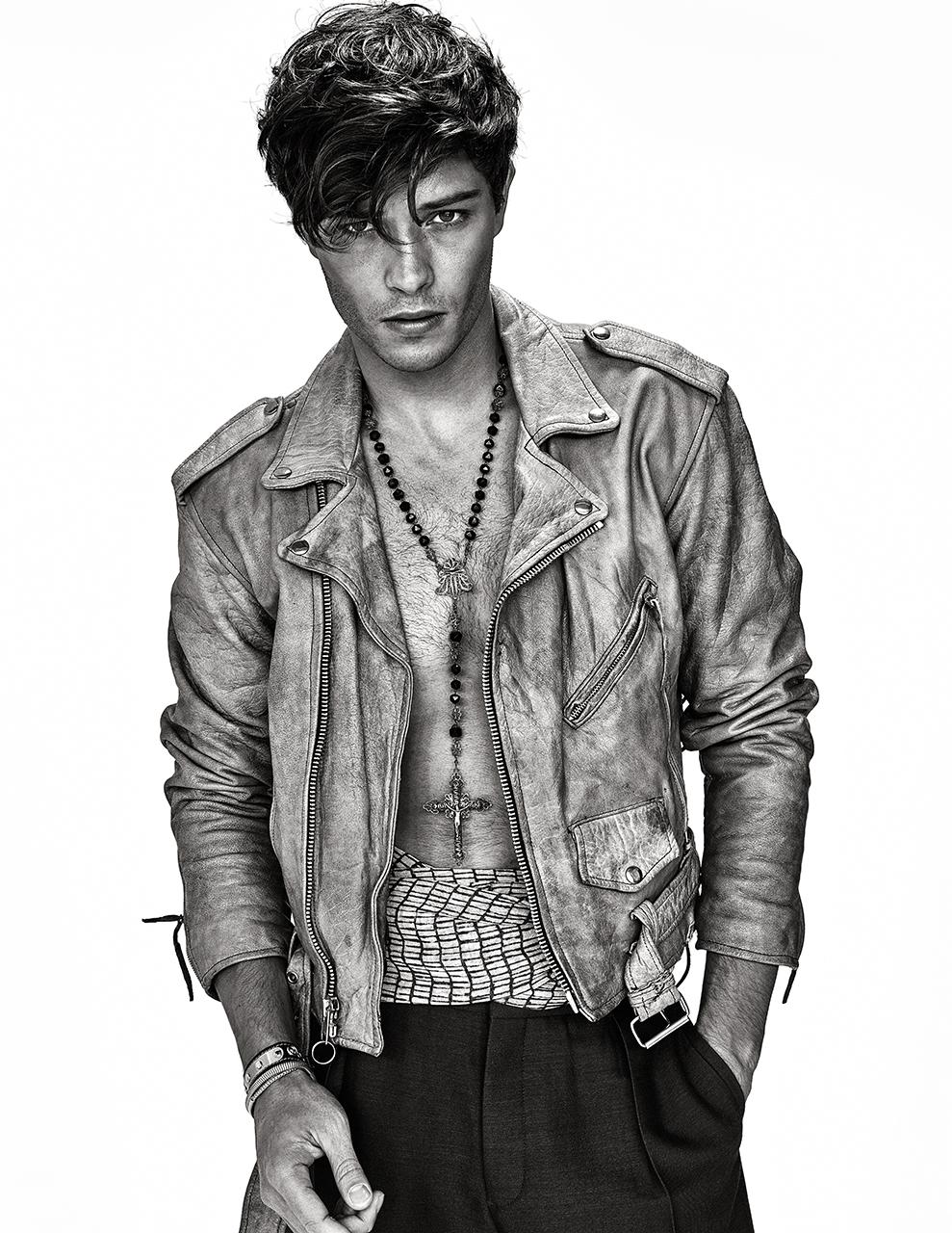 Leather jacket  VINTAGE . Pants and scarf  COS . Necklace  VINTAGE . Bracelets at BOUTIQUE DUO.