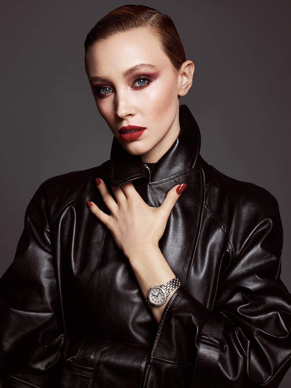 Jacket CHANEL . Watch JAEGER-LECOULTRE Rendez-Vous Night & Day.
