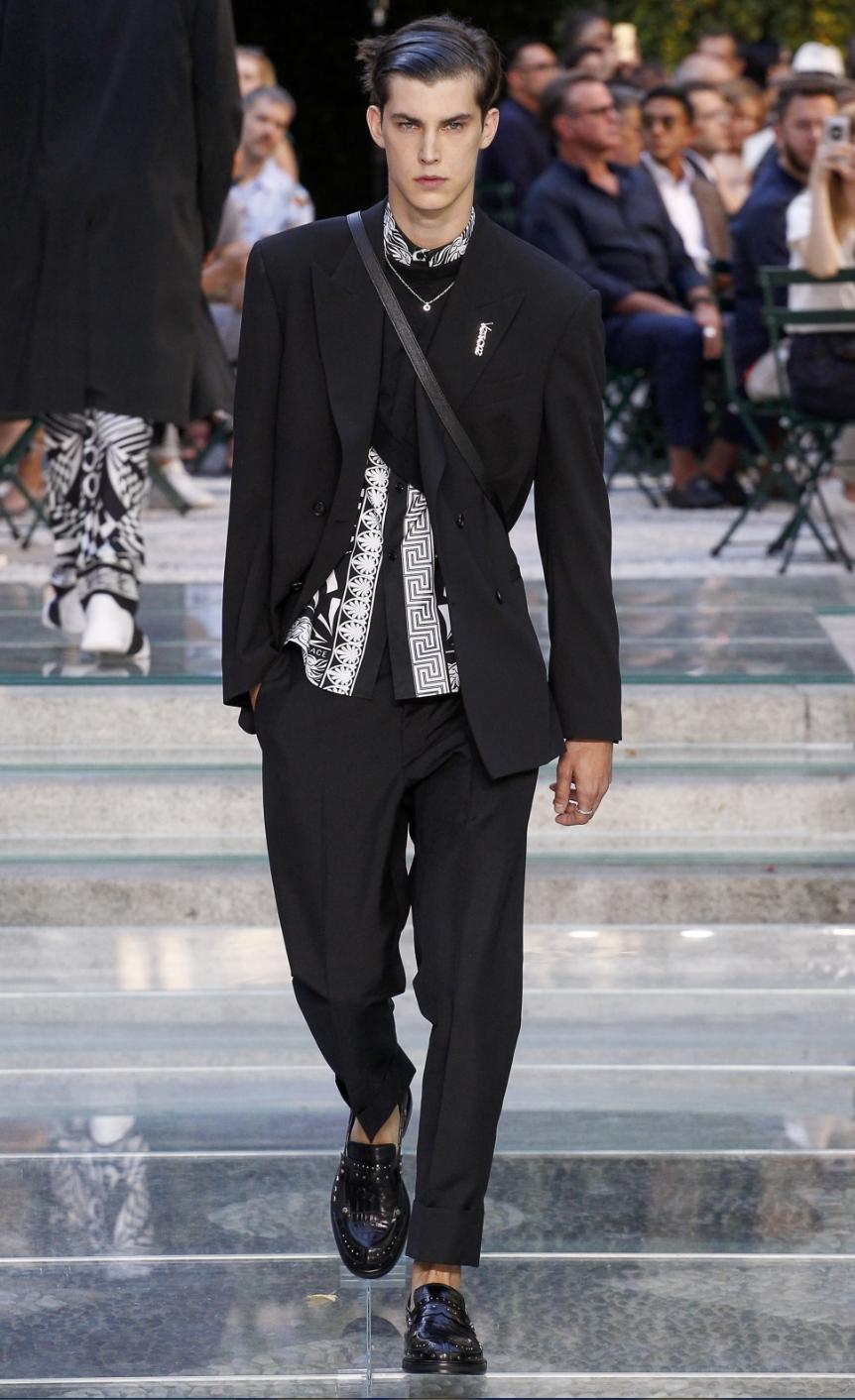 Versace DTK Men 1.png