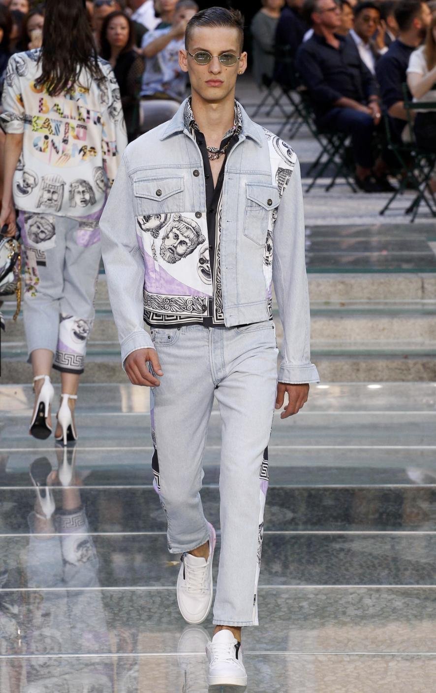 Versace DTK Men 4.png