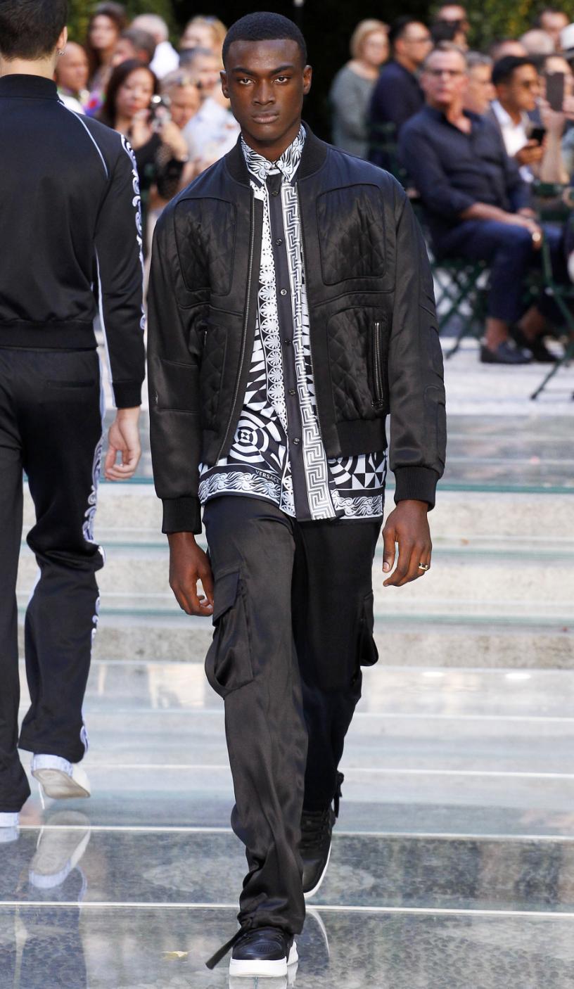 Versace DTK Men 5.png