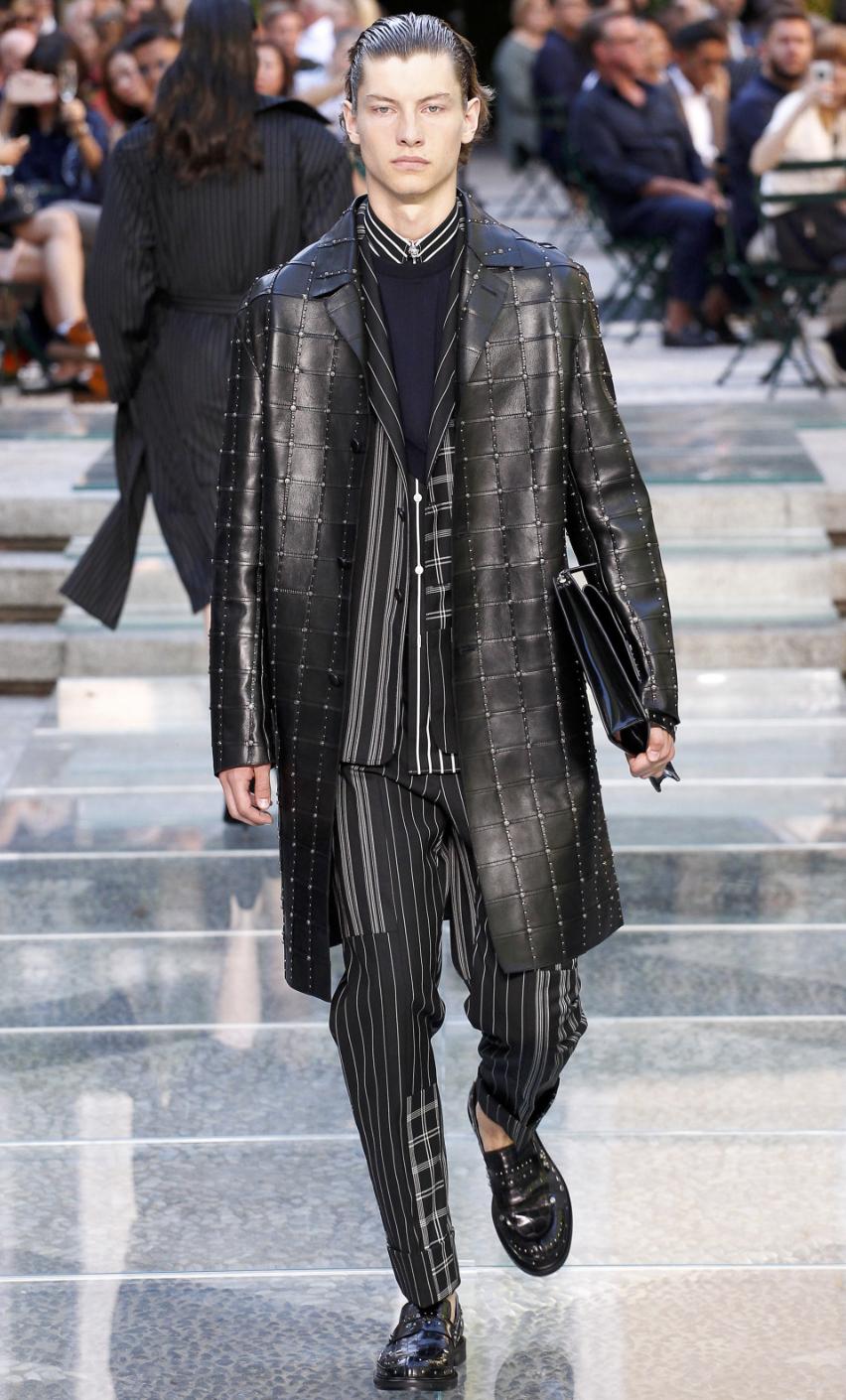 Versace DTK Men 7.png