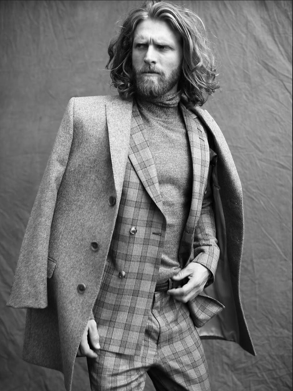 Coat TOZZI. Suit TIGER OF SWEDEN. Turtleneck LE 31 at SIMONS. Pocket square THE KOOPLES at SIMONS.