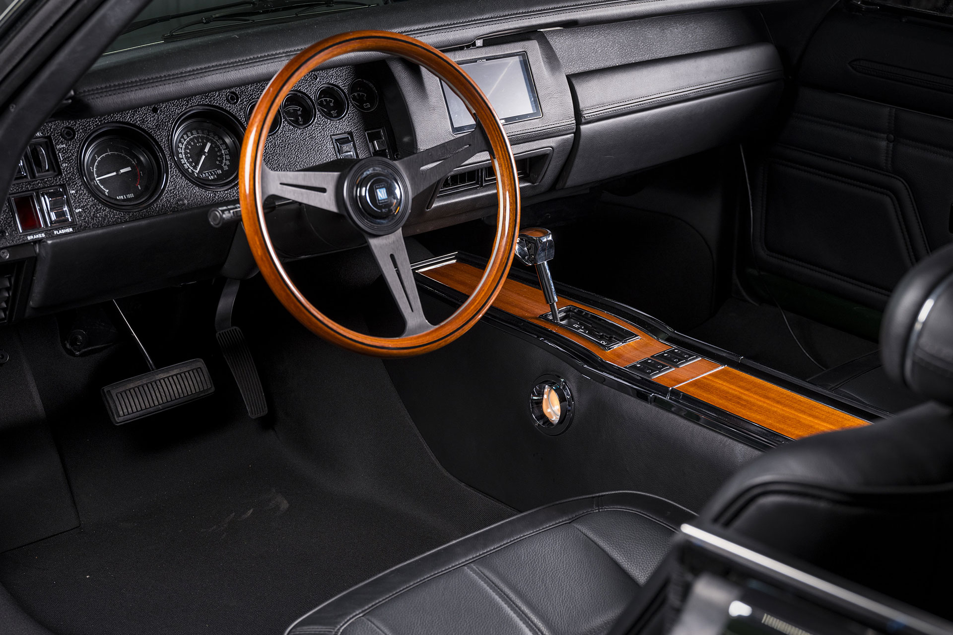 dodge-charger-Ring-Bros.jpg