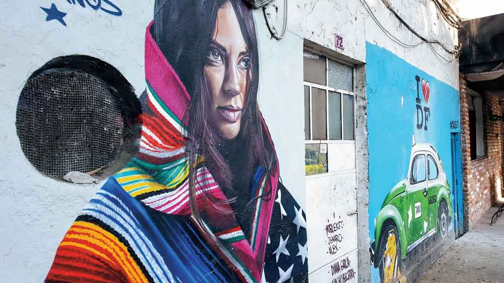 The art walk of Street Art Chilango puts the emphasis on coexistence and culture.© Christine-Elizabeth Laprade.