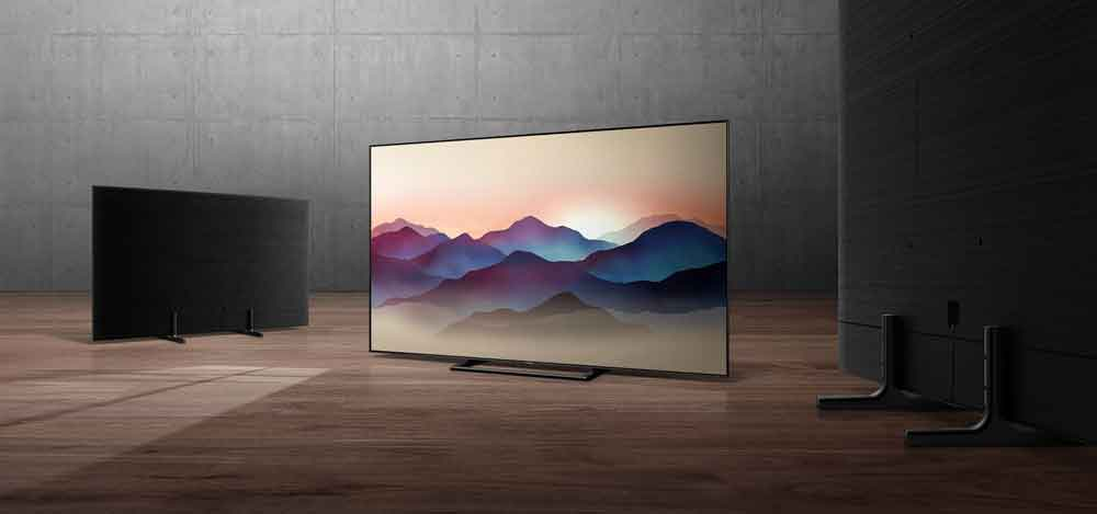 SAMSUNG  QLED TV (Price upon request).