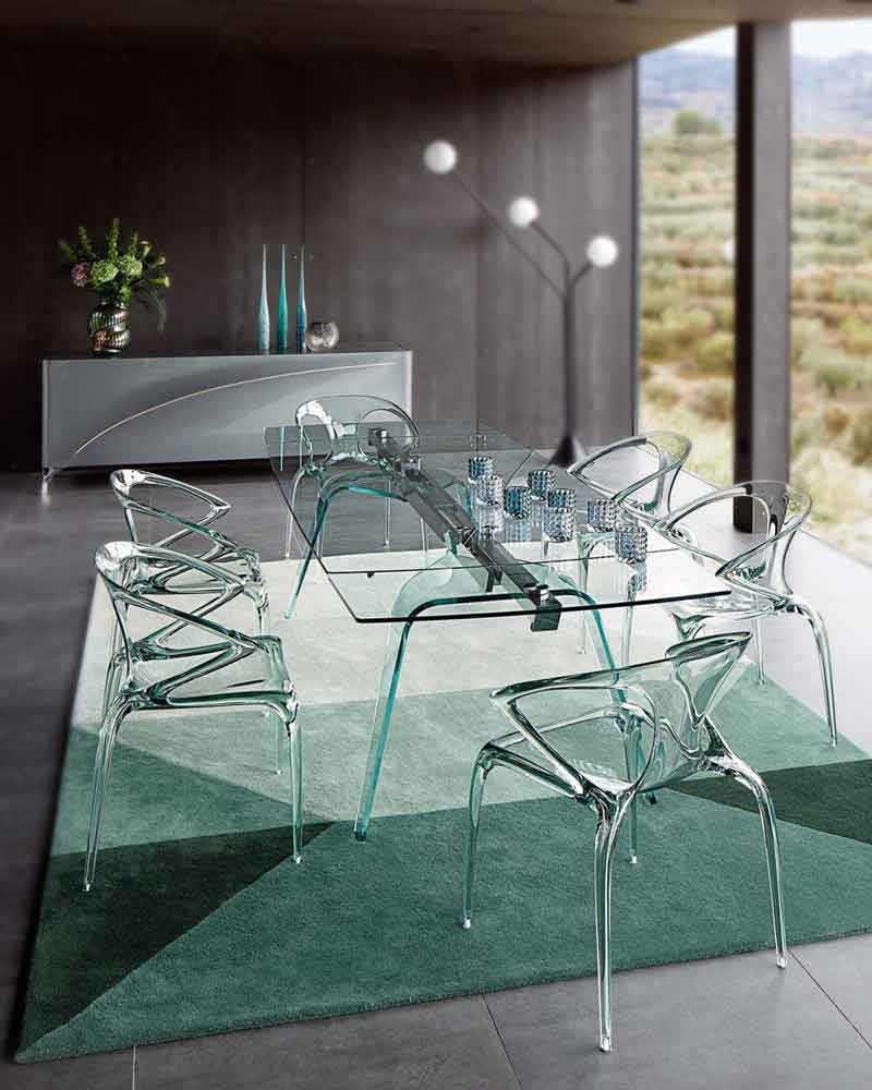 SACHA LAKIC  Agape Dining Table (Price upon request)at ROCHE BOBOIS.