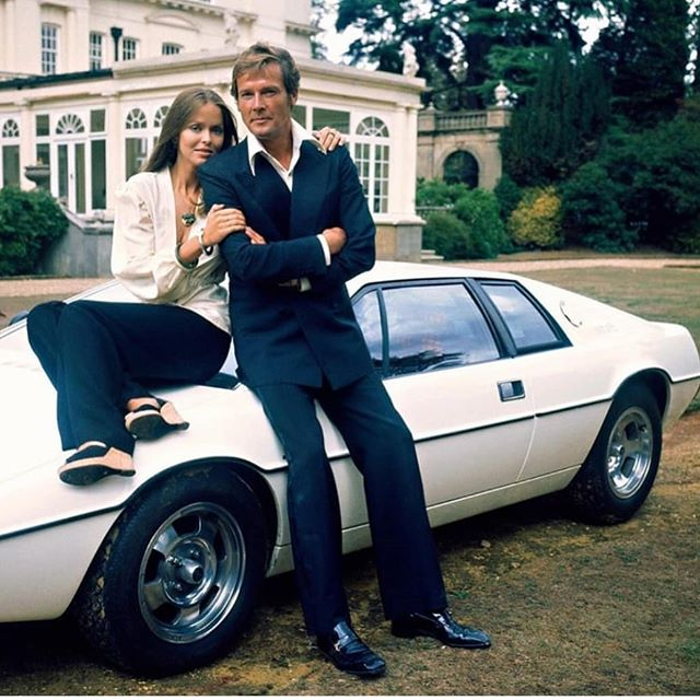 Got to love this shot. Roger Moore RIP.  #style #stylish #rogermoore #lifestyle #sexy #dtkmen