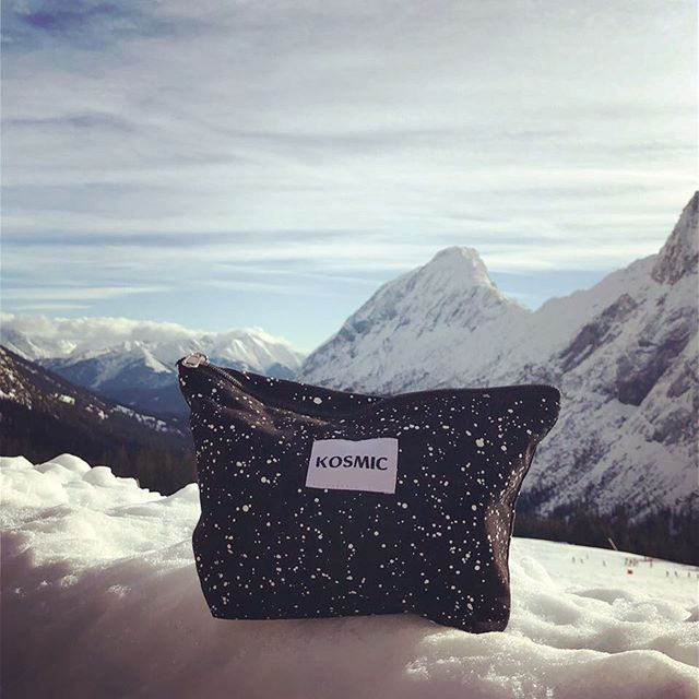 on the road with kosmic 💙❄️💙#sustainableliving #consciousshopping #lessismore #naturalcosmetics #fairtrade #handmade #ethicalproducts #aimhigh #reversible #necessaire #organiccotton #makeitlast
