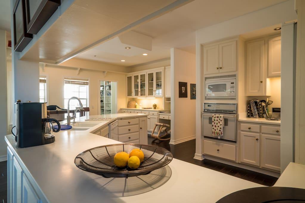 ojai kitchen.jpg