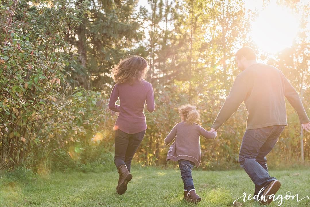 edmonton-family-photographer-redwagon-photography004.jpg