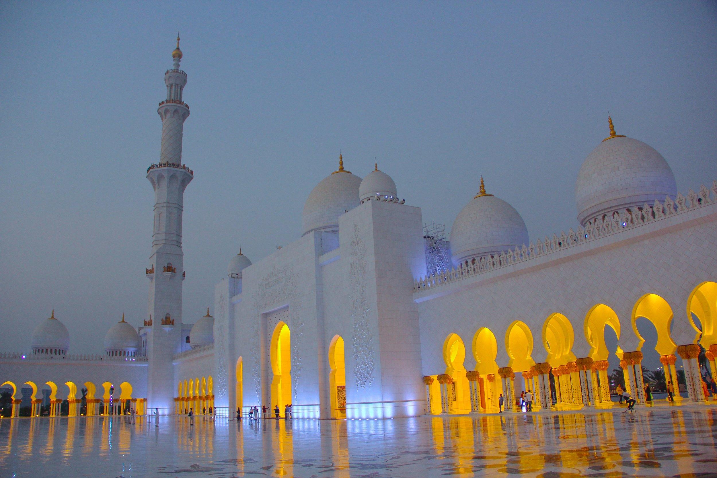 abu-dhabi-arches-architecture-1537086.jpg