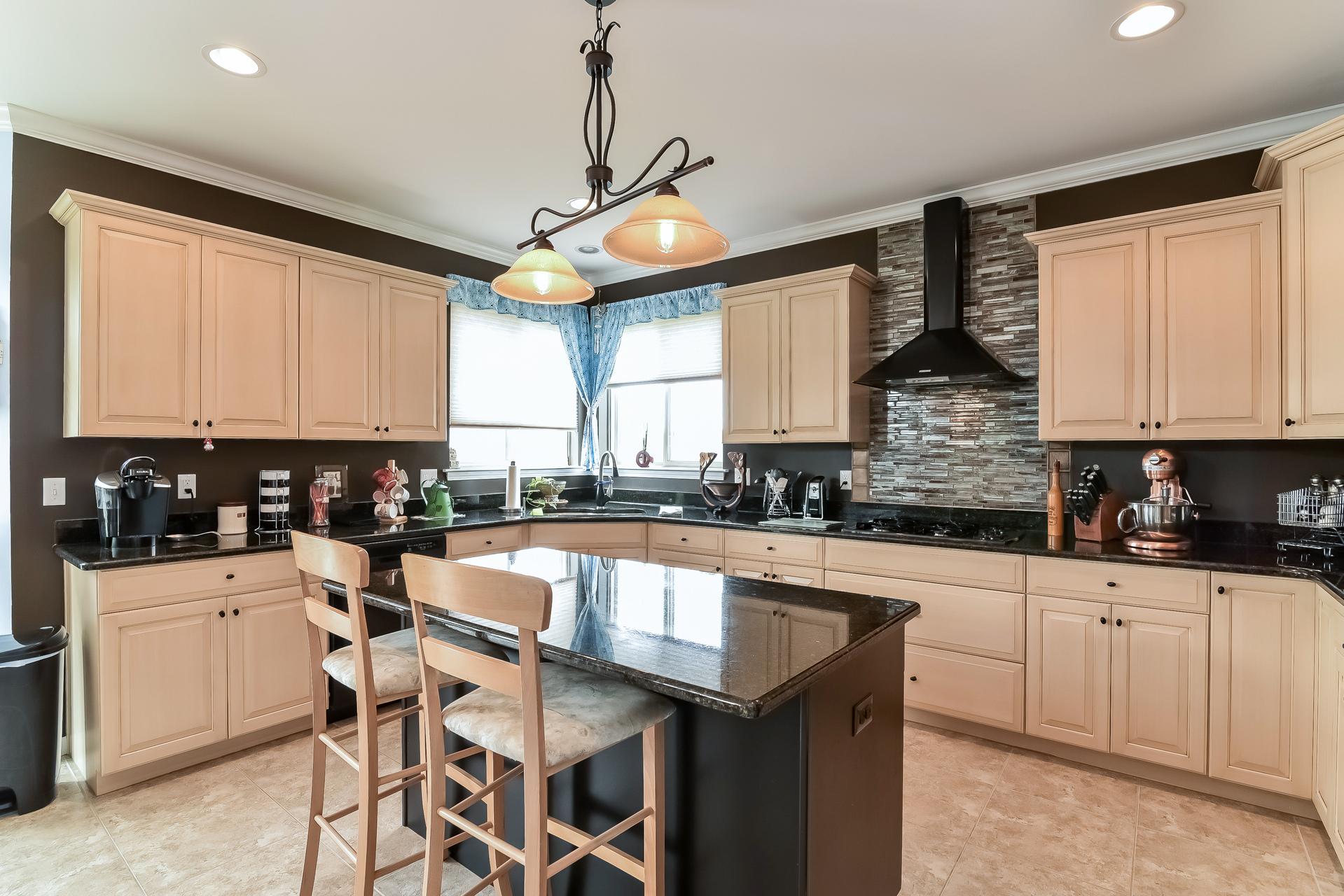 glenda kitchen.jpg