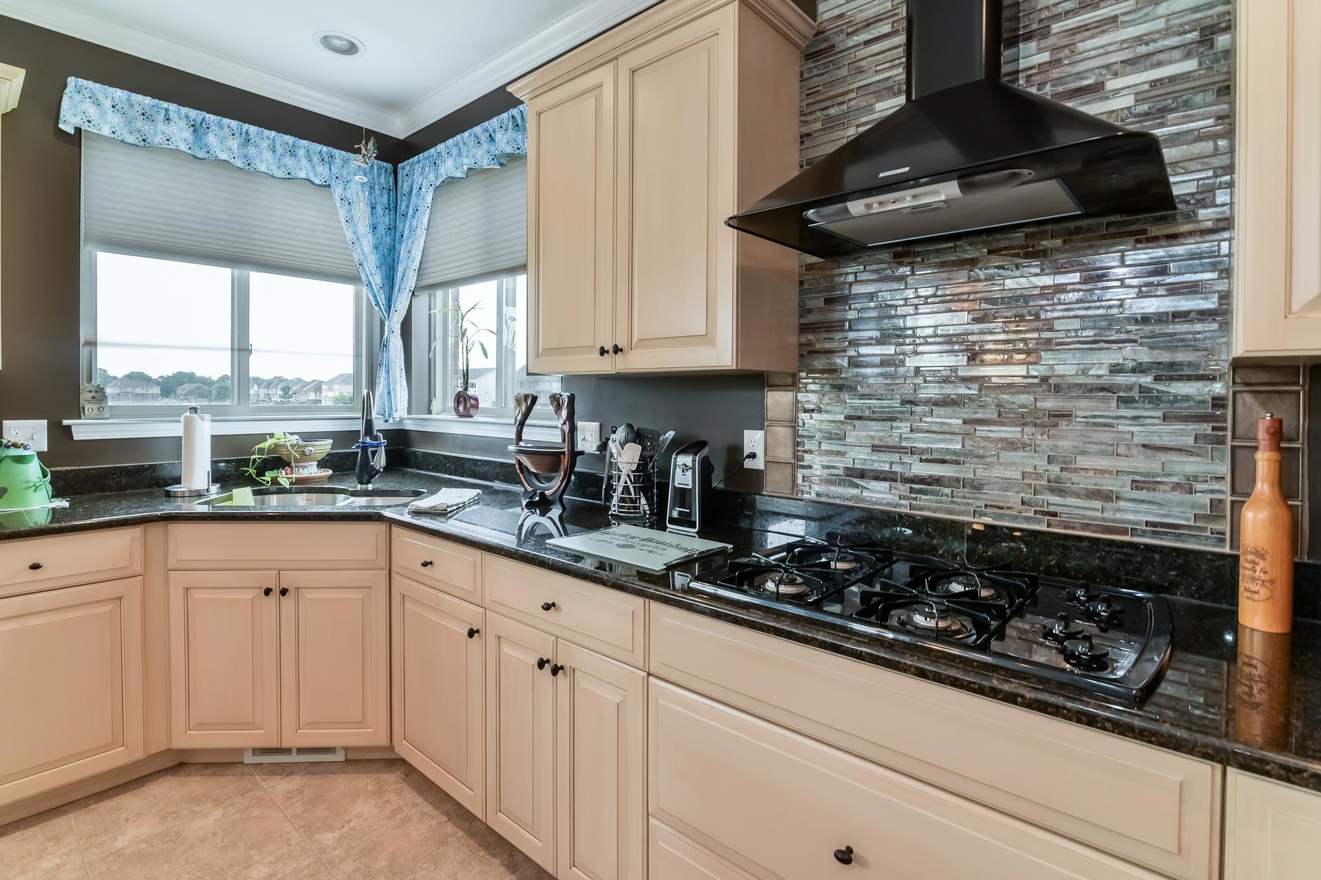 012-Kitchen-3017986-medium.jpg