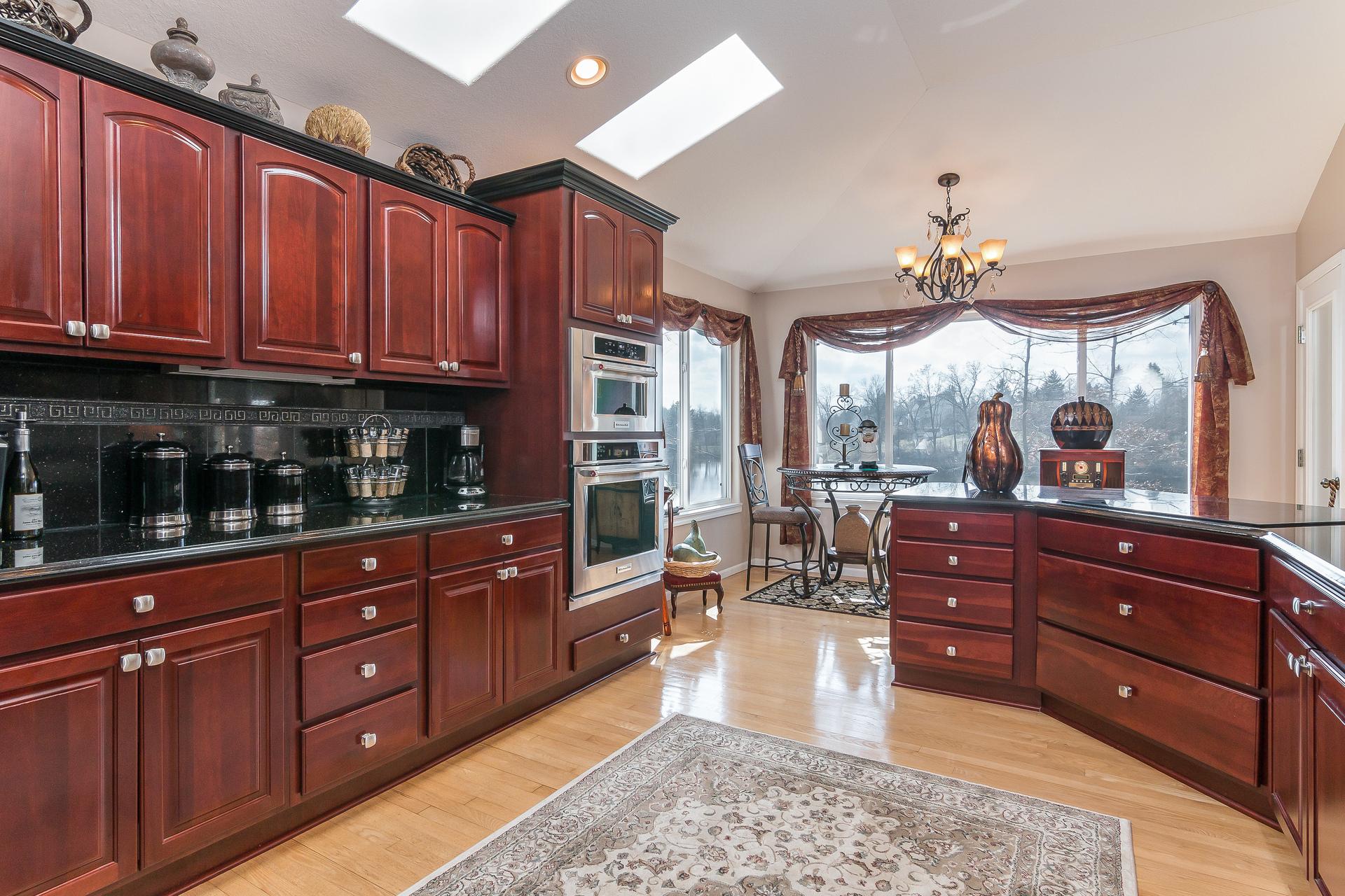 014-Kitchen-3764329-medium.jpg
