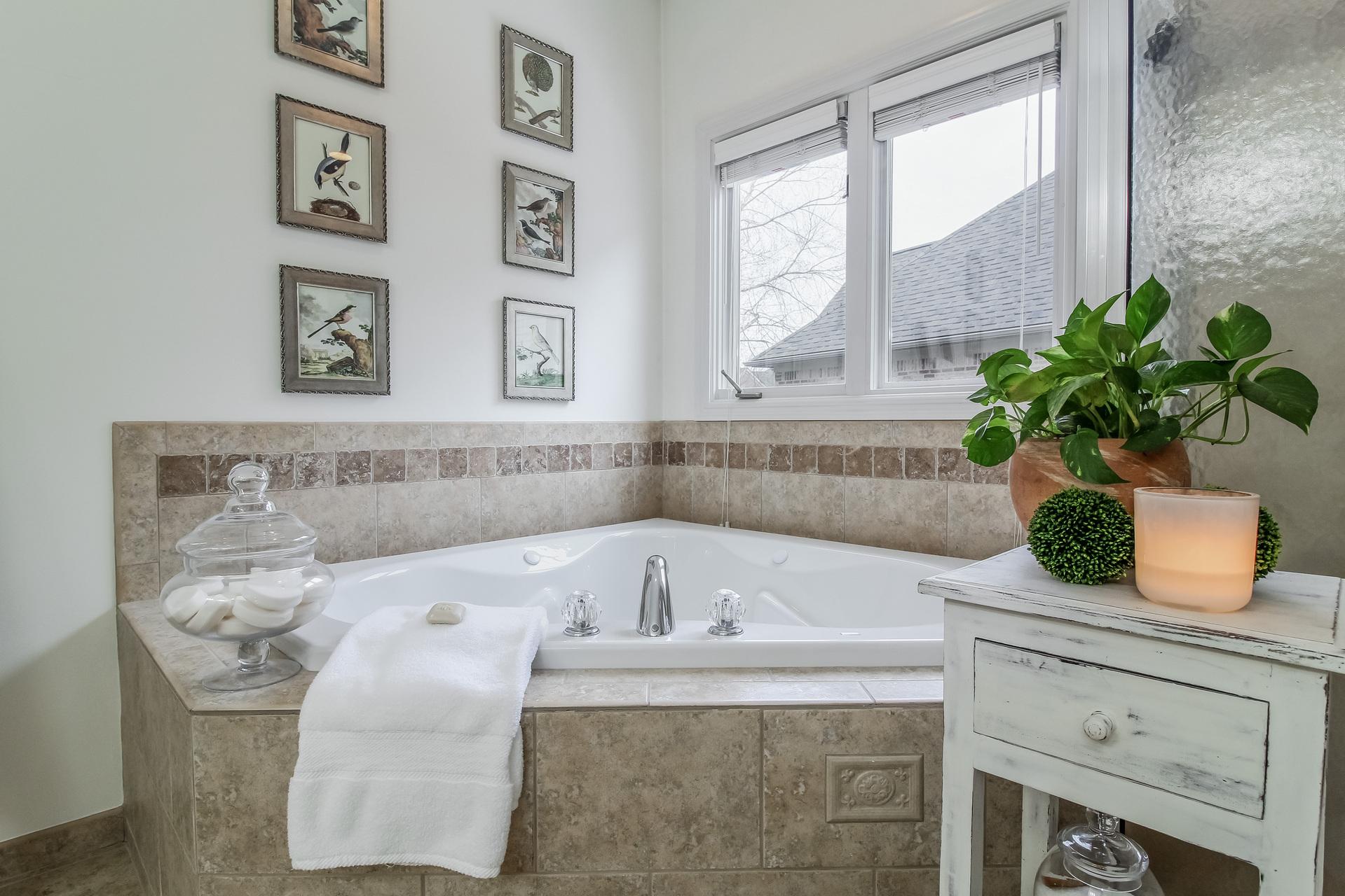025-Bathroom-5442213-medium.jpg