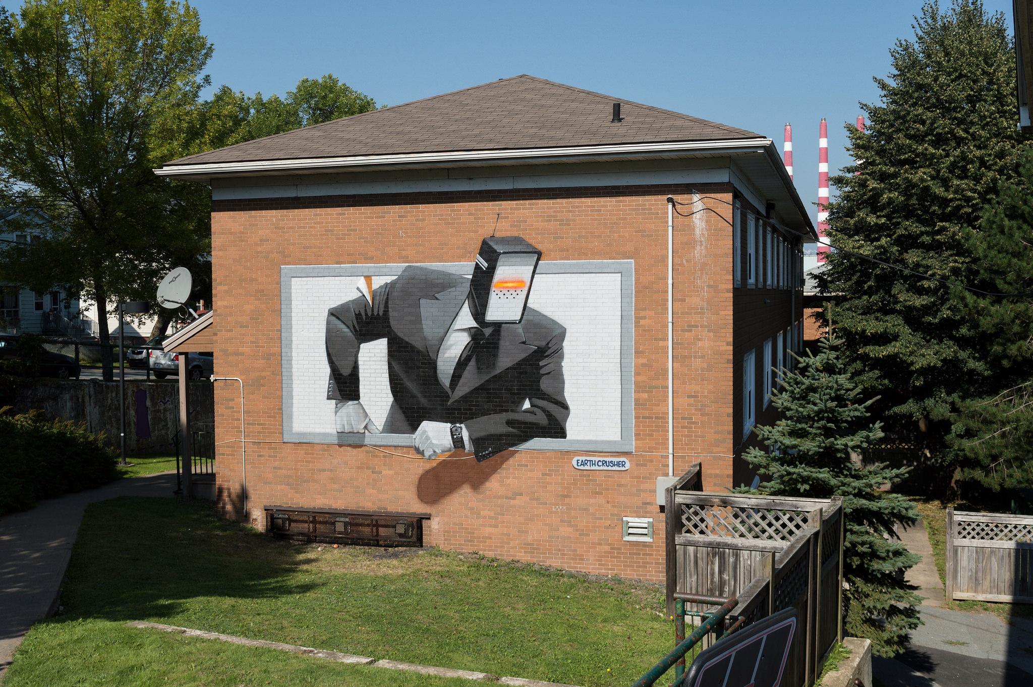 Ashop-Earth Crusher-Exterior mural-Halifax-2017