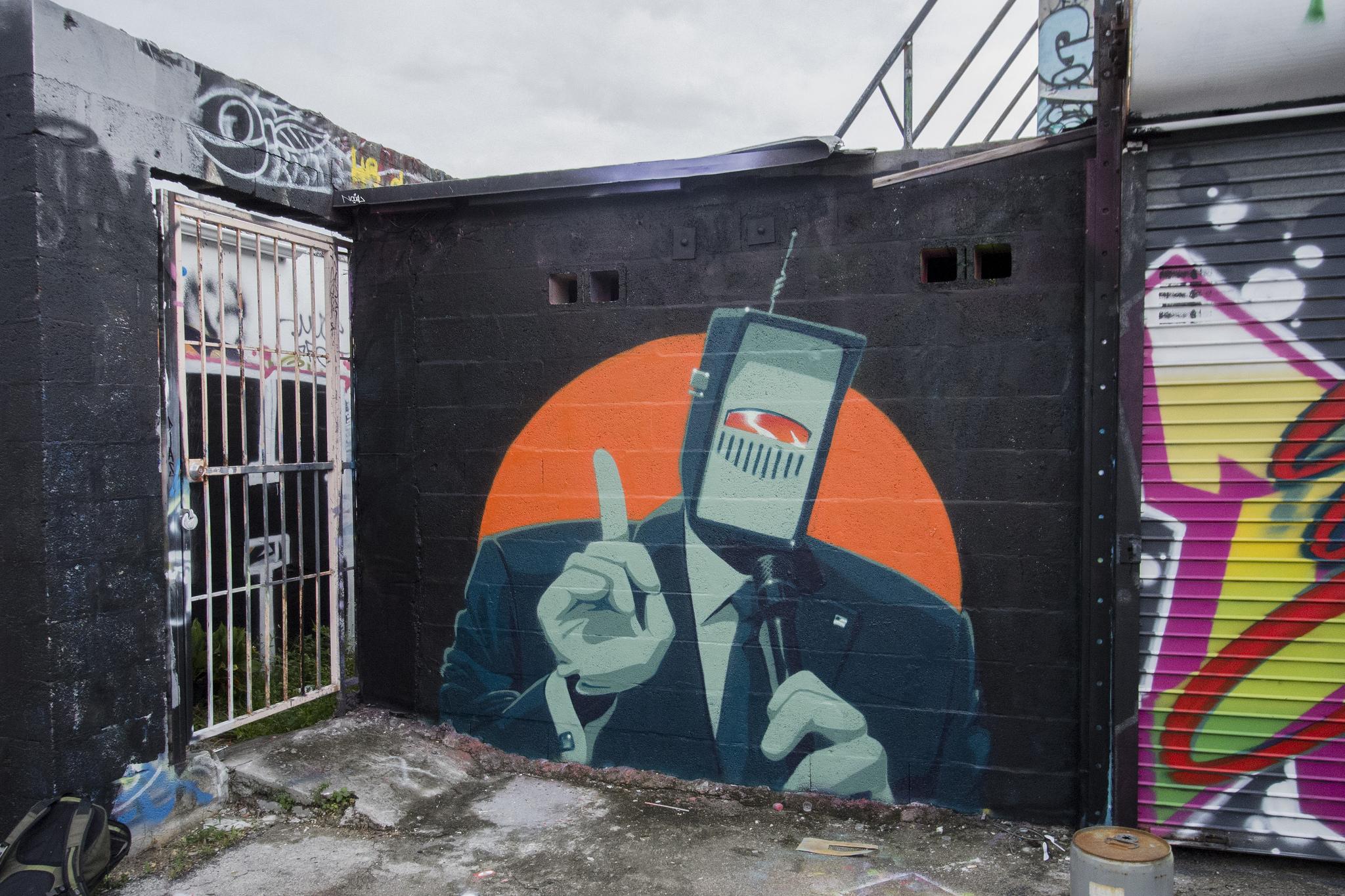 Ashop-Earth Crusher-Exterior mural-Wynwood-2016
