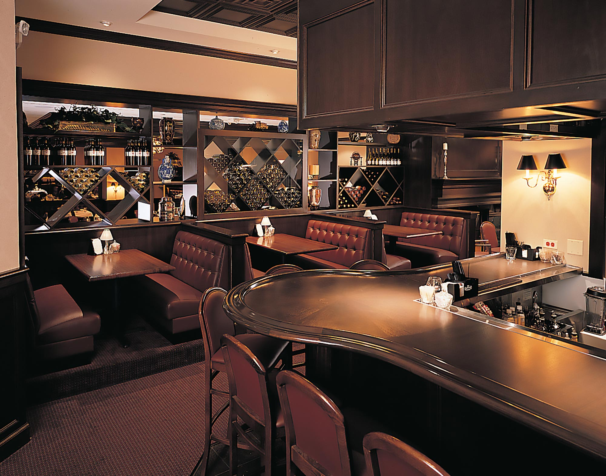 ruth-chris-wood-bar-2x.jpg
