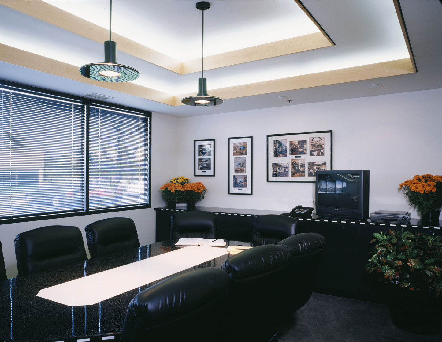 CONFERENCE-ROOM-2x.jpg