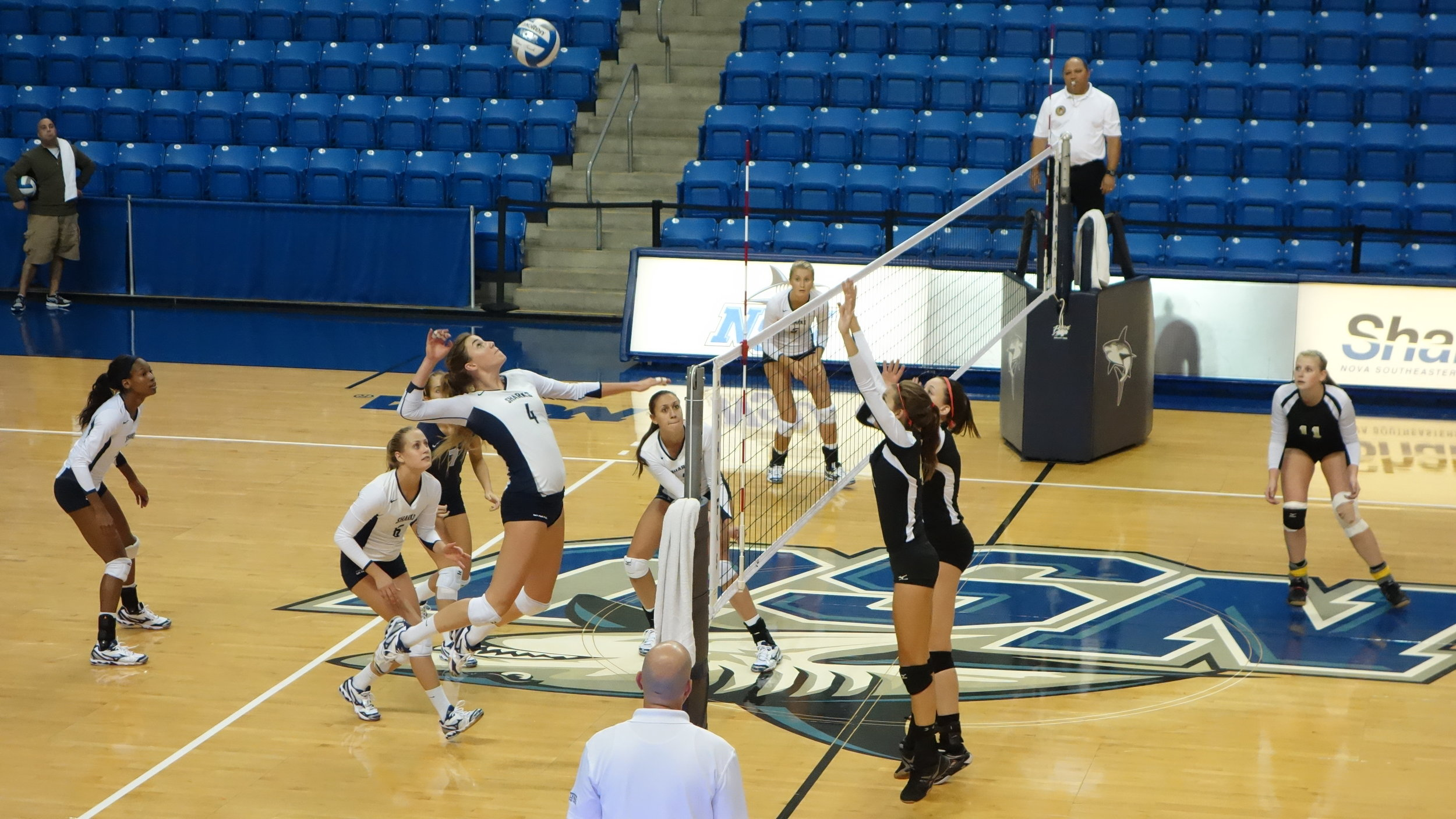 One of our former Industry VBC club players getting ready to crush the back set at Nova Southeastern University.