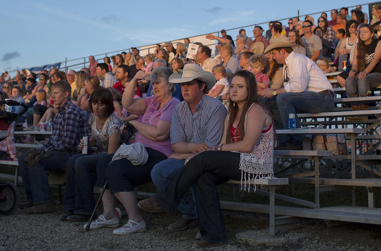 rodeo_crowd.jpg