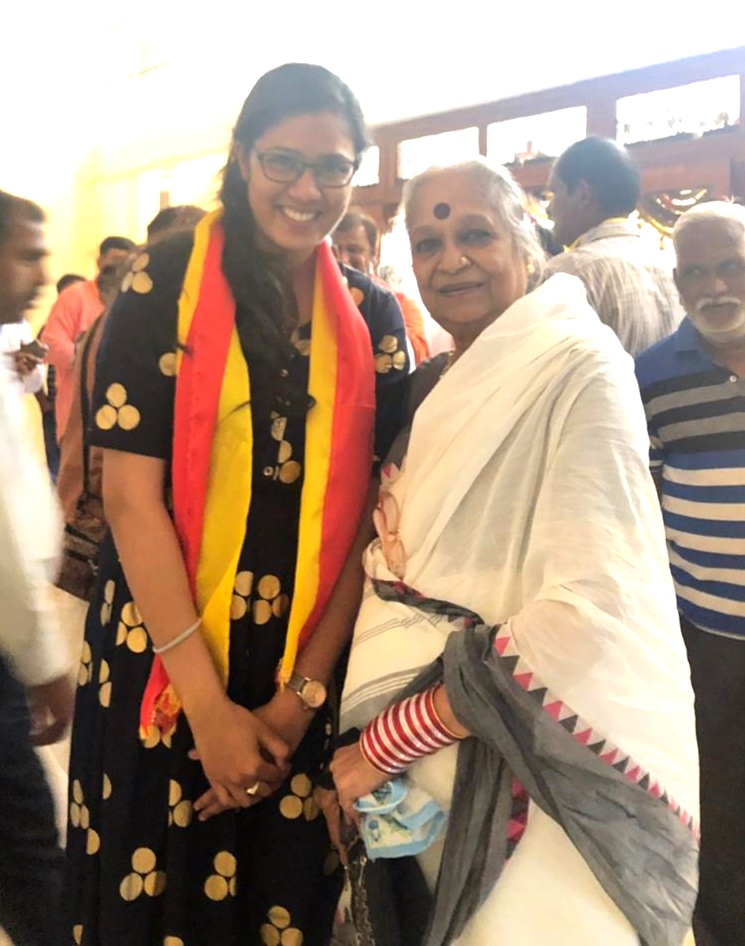 Lavanya Hebbalmath with Dr Vijaya, noted writer and journalist during the felicitation event by Tejas Kannada Sangha