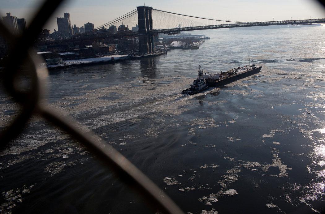 For Tug Captain, Job That Runs in Family Turns Deadly    New York Times