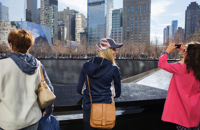 At World Trade Center Memorial, a Bombing Is Forgotten   New York Times