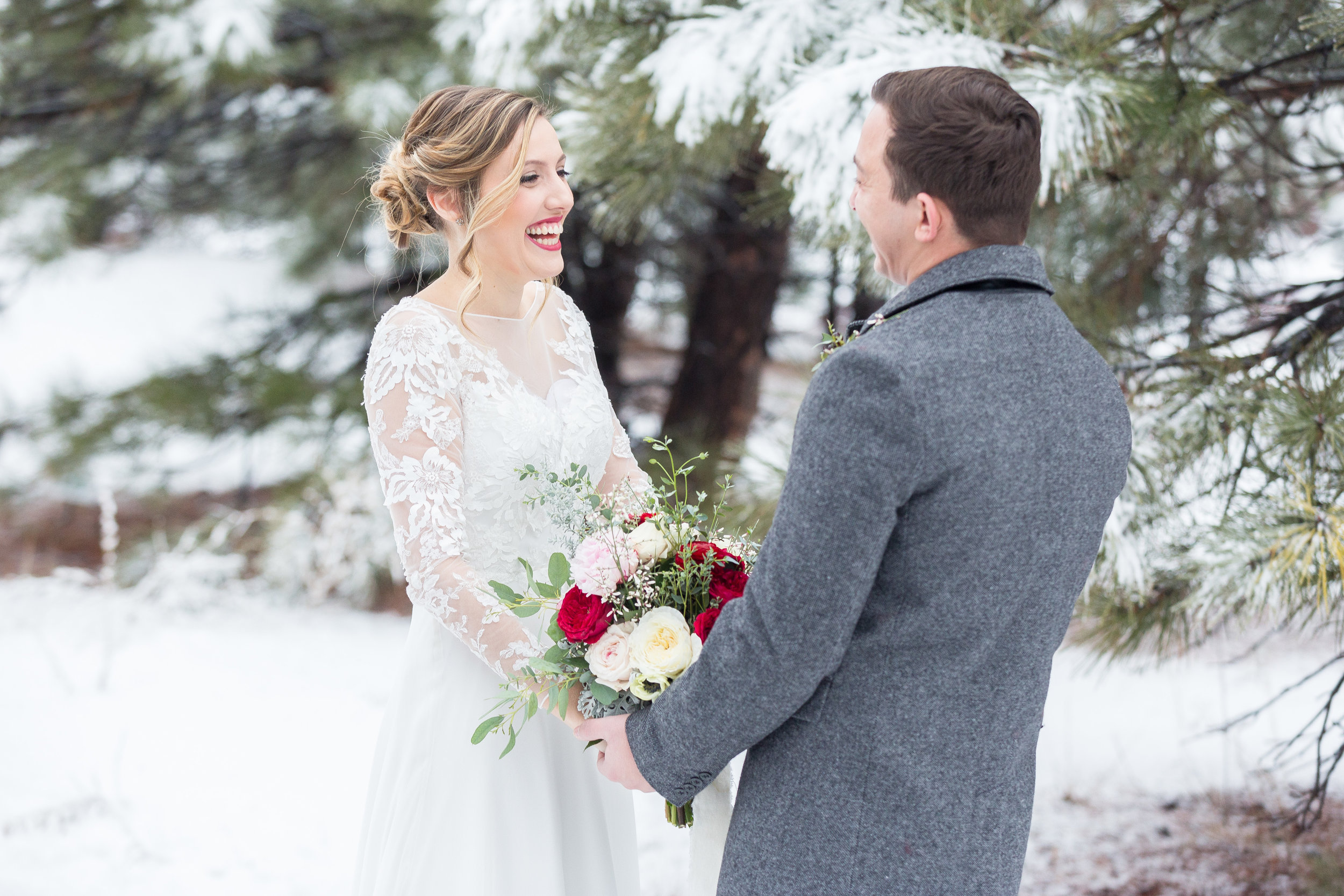 winter-wedding-first-look-jessica-gabe-karlee-k-photography.jpg