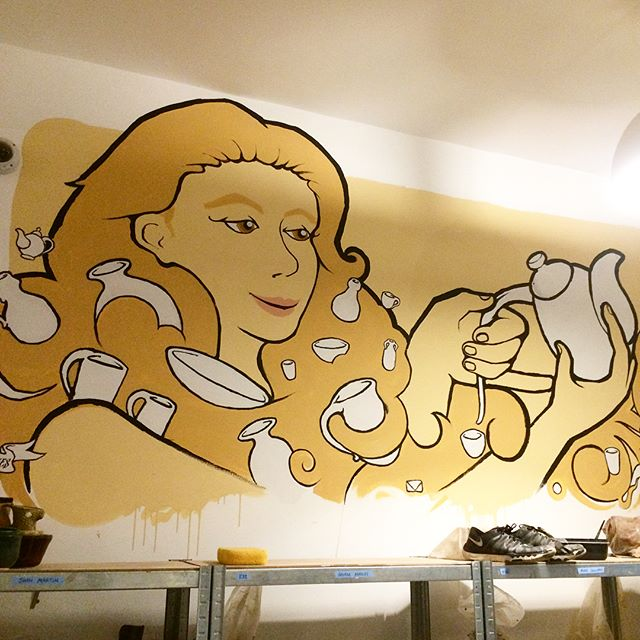finished up these murals for @claybythebaysf the other day so rad to get to do a bunch of pottery themed murals like havin cake and eatin it too #muralart #murals #painting #pottery #artistoninstagram #ceramics #art
