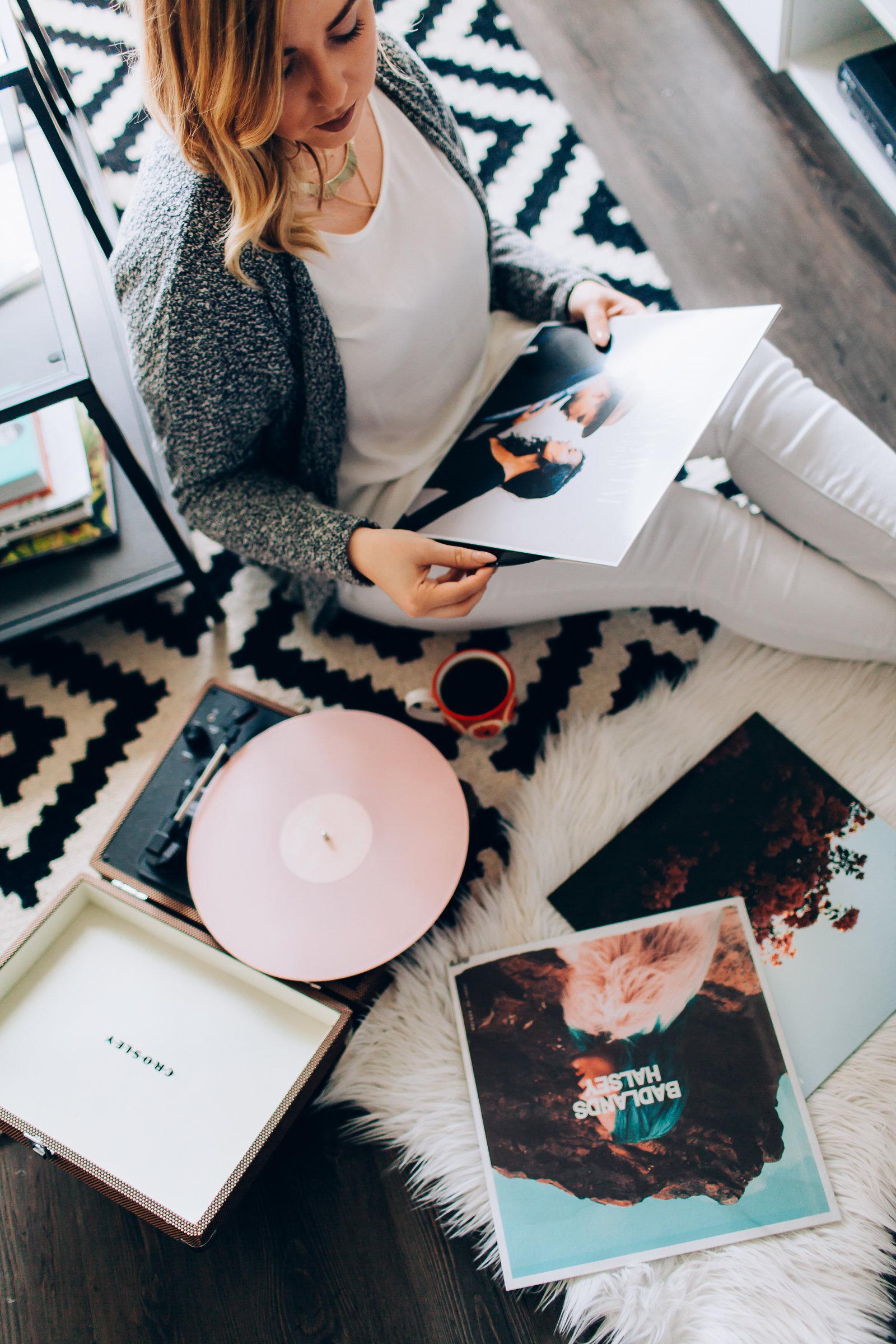 records-at-laras-4400.jpg