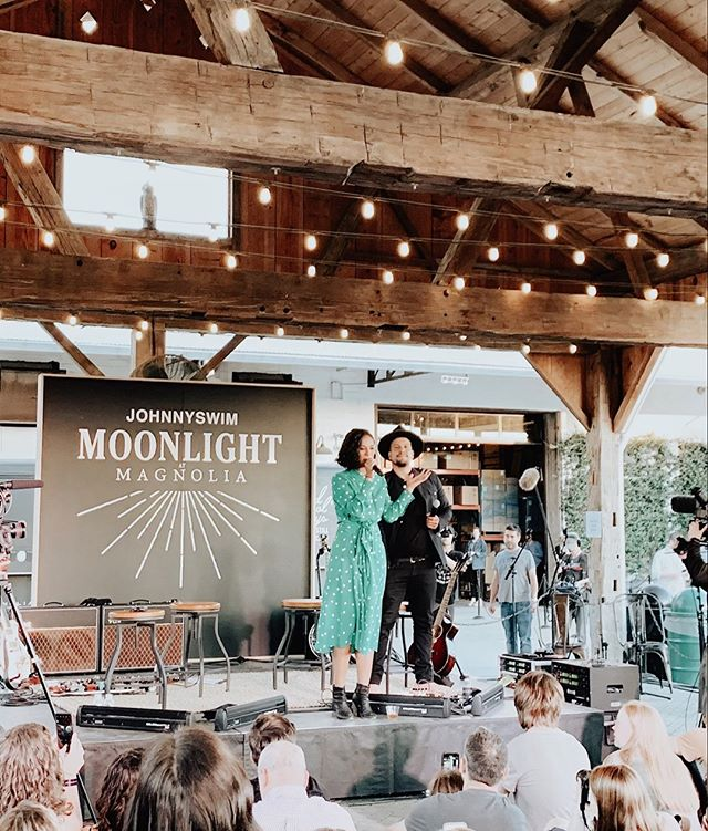"This week has been full of fun little surprises. My personal favorites? I got to see my favorite duo @johnnyswim up close and personal for their album release party at @magnolia.✨(their new album drops tonight at midnight and it is pure magic)  Then @beyonce dropped her ""Homecoming"" documentary on Netflix 👑 and I got all sorts of emotional. . . This week is only going to get better as we kick off Easter weekend at @shoreline_city and y'all I can not wait!! • • • #johnnyswim #theeverygirl #theeverydaygirl #magnoliamarket #magnoliasilos #thenativecreative #chipandjoannagaines #bestweekever #beyonce #tezzaapp #tezzapresets #thatsdarling"