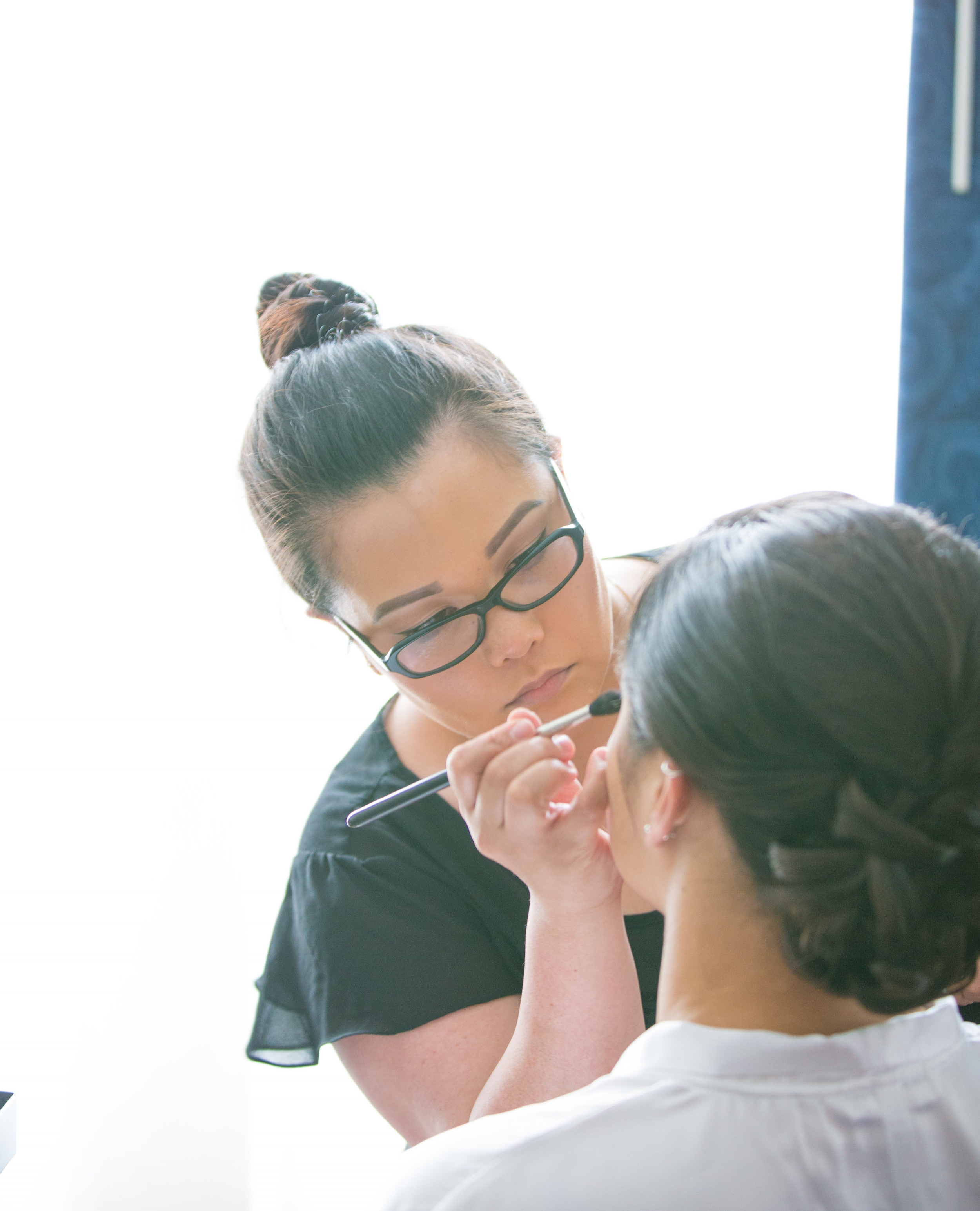 MAKEUP ARTIST FOR WEDDINGS, PHOTOSHOOTS, & Special events. -