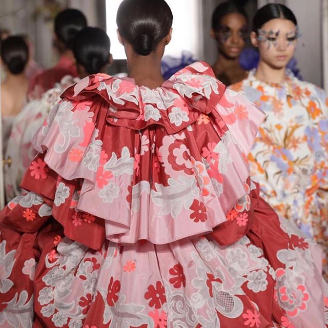 Still cannot get over the @maisonvalentino show from last week! Tones, textures, and all of this melanin..gorgeous 😍 #valentino #pariscoutureweek