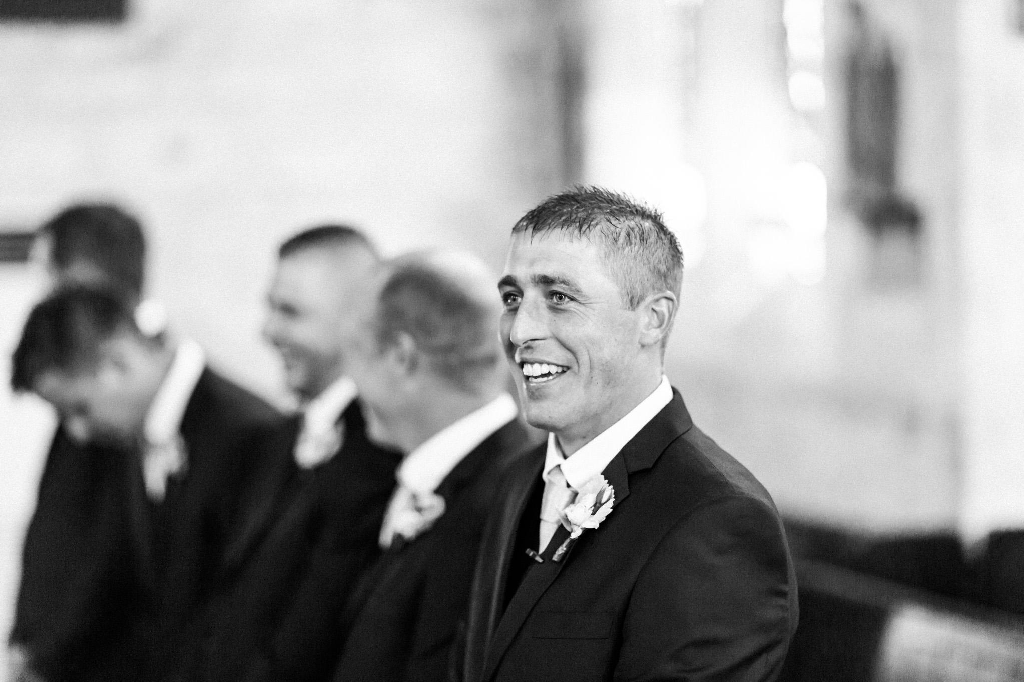 WeddingPhotos_Facebook_2046pixels-1138.jpg