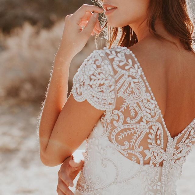 Loving @annacampbellbridal and their Anna dress 💋 Hand-embellished floral motifs, sheer illusions, and sexy necklines | Dress: @annacampbellbridal | Photography: @emily.magers | HMU: @megownsartistry⠀⠀⠀⠀⠀⠀⠀⠀⠀ #wedding #weddingday #ido #weddinginspo #bridetobe #weddedwonderland #style #centralwestwedding #dubbowedding #mudgeewedding #orangewedding #weddingdecor #weddingstyle #weddingtheme #whitemagazine #hellomay #loveislove #happy #relationshipgoals #married #marriedatfirstsight #thebridesavenue #bridalblog #bridalblogger #weddingblog #bride #groom #bridalgown #weddingdress #weddingwire