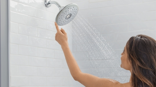 1. AmStd_SpectraTouch_Showerhead-BANNER_image.jpg