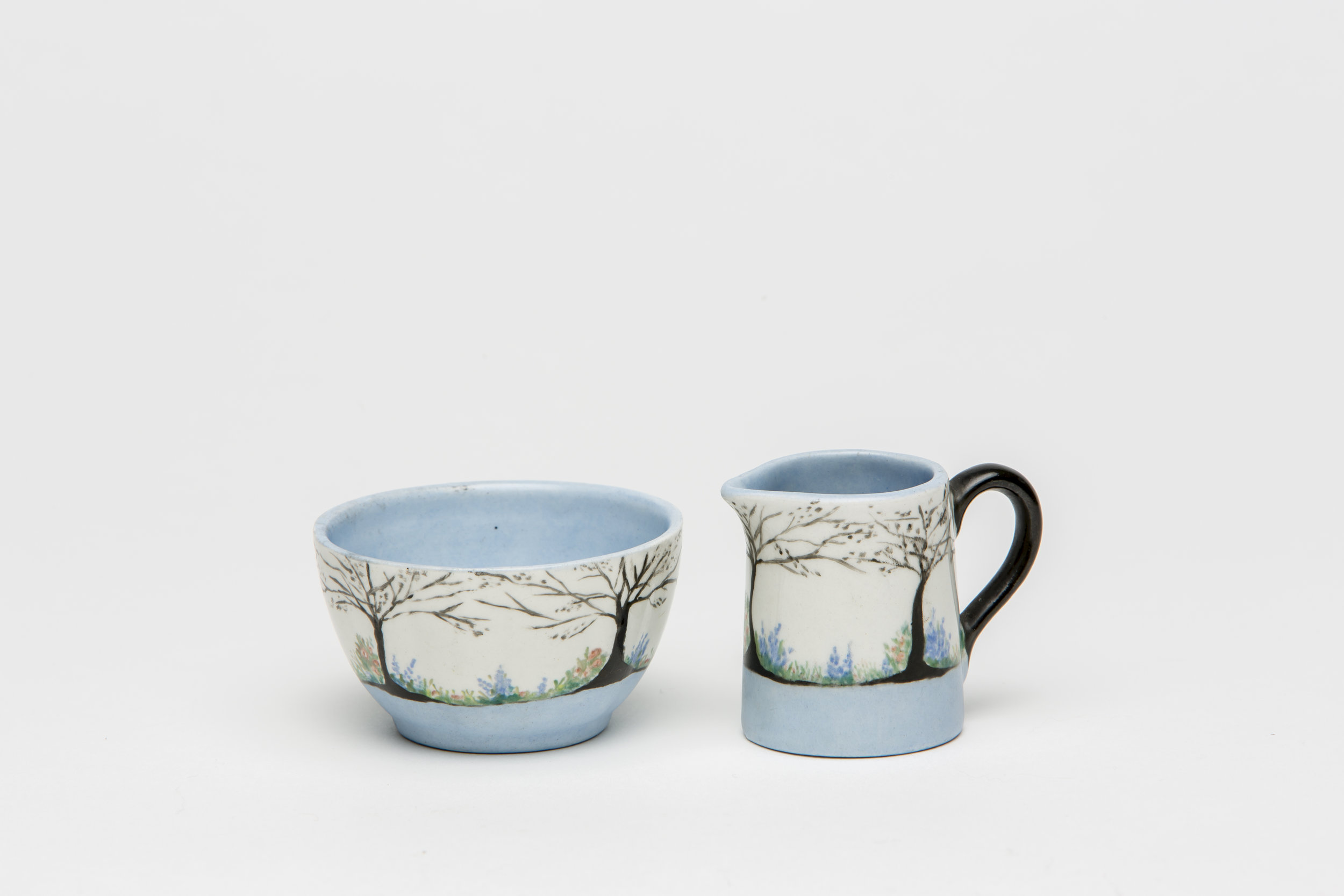 Jessie MacDonald, white and black designed china painted sugar jug and bowl, c. 1928. Jug: 4.9x4cm; Bowl: 3.8x6.5cm. Photograph by Sam Roberts.
