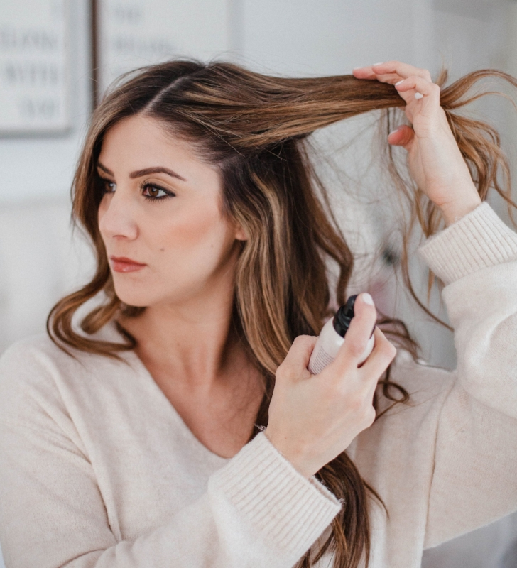 Image via  https://www.laurenmcbrideblog.com/2018/01/how-to-use-dry-shampoo/how-to-use-dry-shampoo-2/.