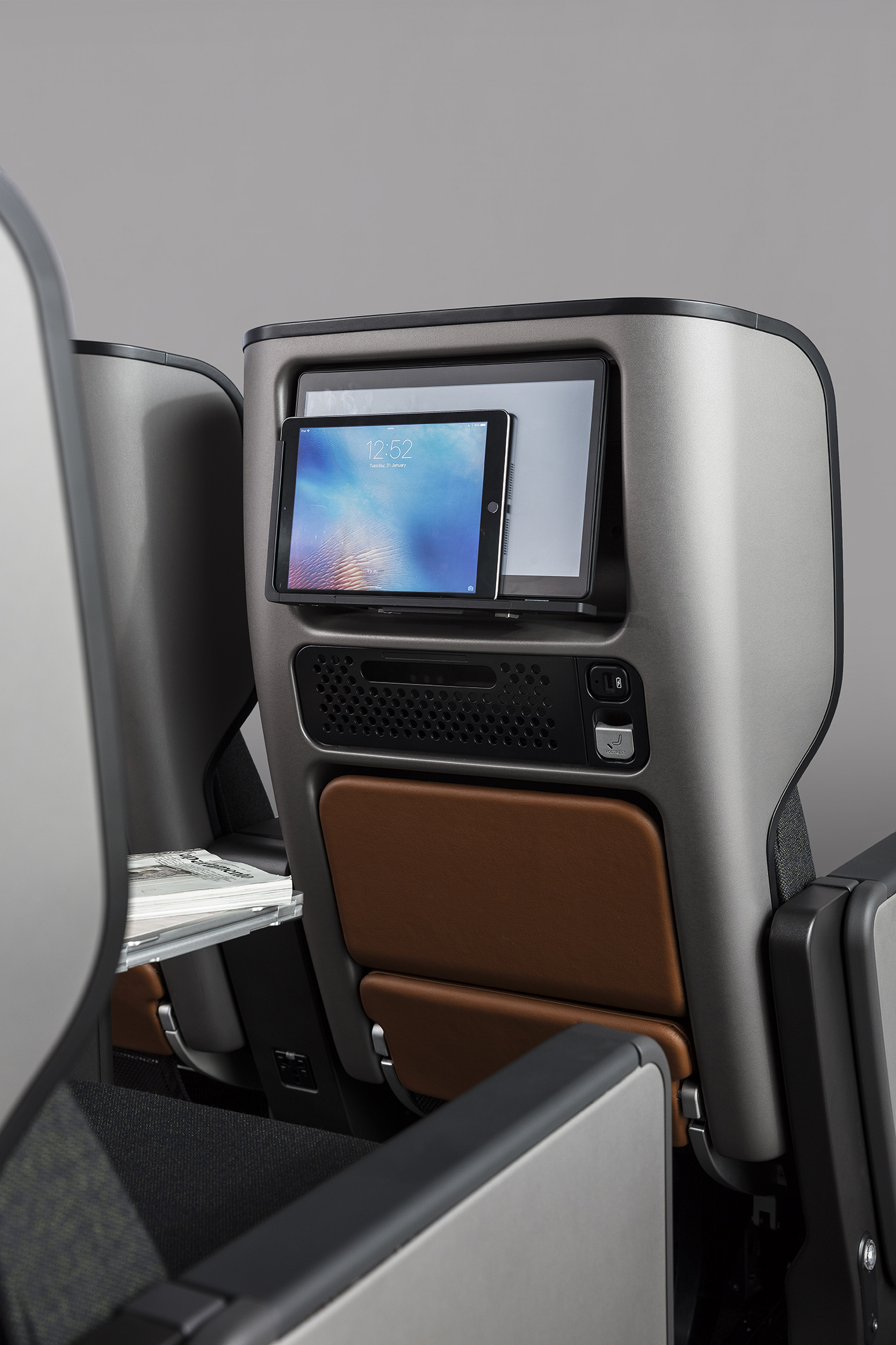 Caon_QF Seats_0A8A7540_DE.jpg