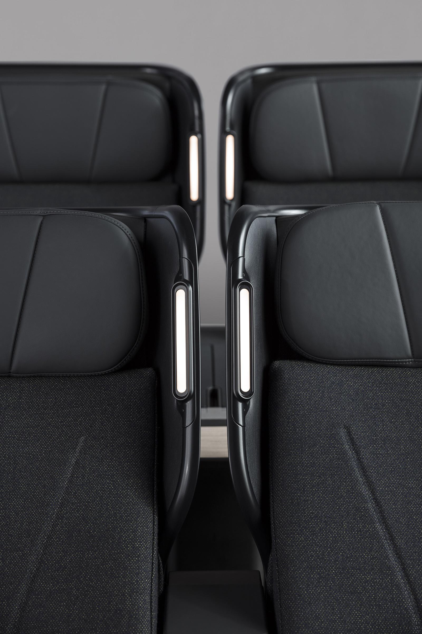 11 Caon_QF+Seats_0A8A7701_DE+SMALL.jpg